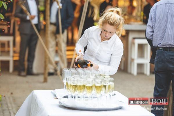 Zakelijke borrel met walking diner Ulvenhart PION horeca en promotie