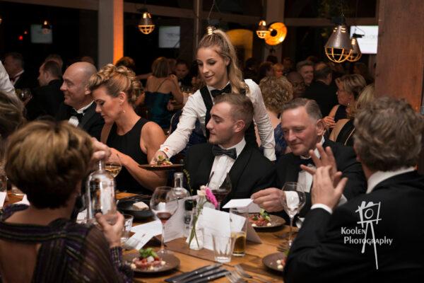 PION horeca en promotie bediening en bar PION horeca evenementen particulier business bedrijven organisatie Bergen op Zoom ontzorgen diner catering licht geluid opbouw afbouw muziek barpersoneel evenementen