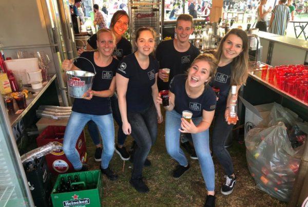 PION horeca promotie uitzendbureau Bergen op Zoom personeel collega meewerken medewerkers Foodstoet Bar Desperado's Drank