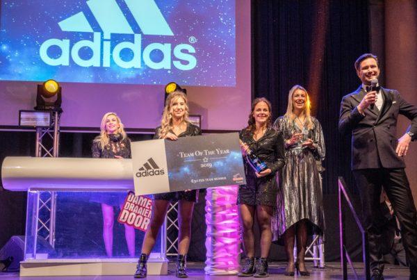 PION horeca promotie uitzendbureau Bergen op Zoom personeel collega meewerken medewerkers Adidas team of the year 2019 presentatie vertoning