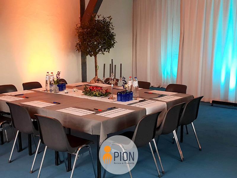 PION horeca promotie uitzendbureau Bergen op Zoom Tafel Gedekt Brainstormsessie kaars