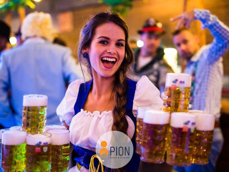 PION horeca promotie uitzendbureau Bergen op Zoom Personeel collega meewerken medewerker Foute party themafeest bier